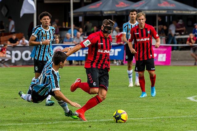 Spiel 3: SC Freiburg gegen Gremio Porto Alegre